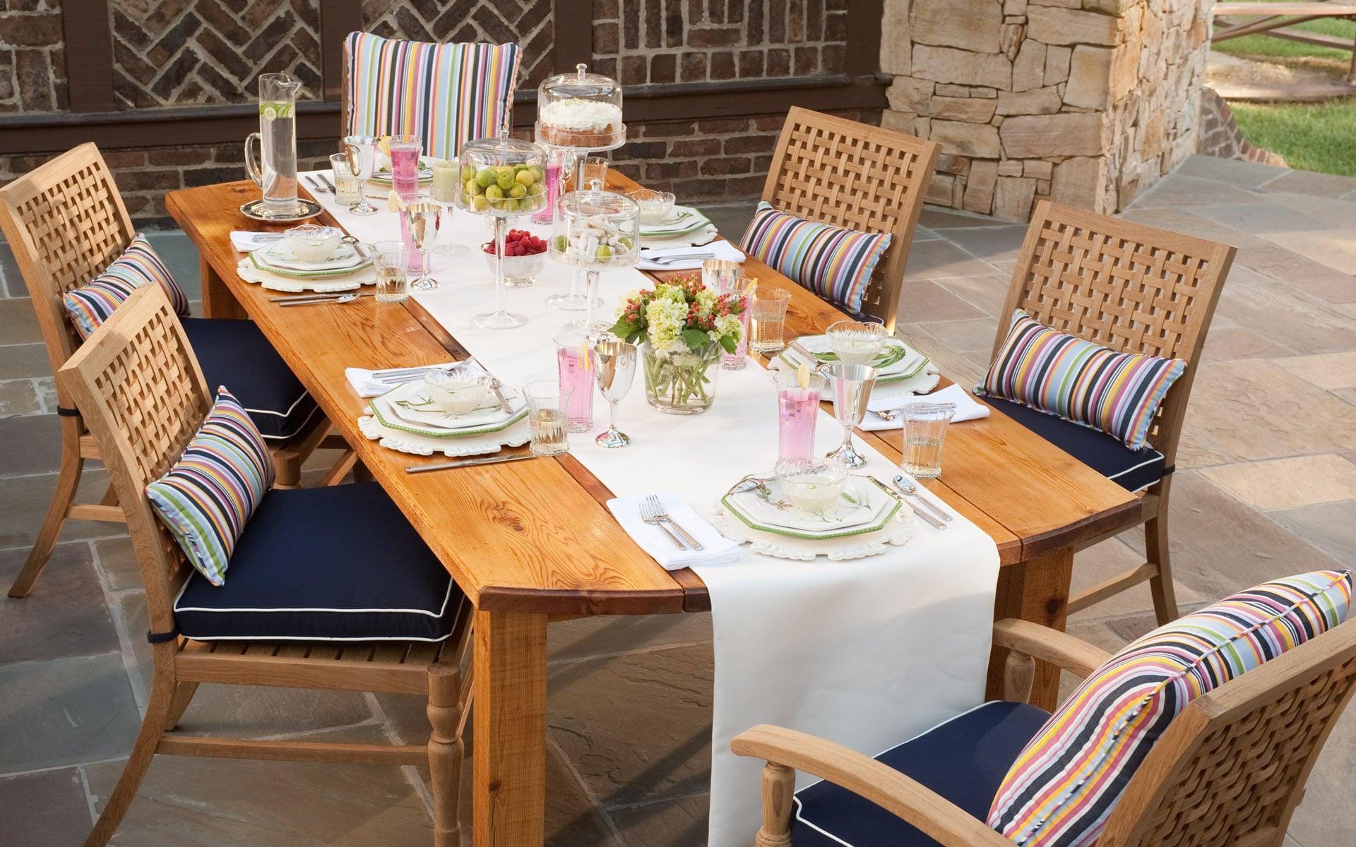 Sunbrella fabrics dining set | Rich's is a Certified Sunbrella Dealer