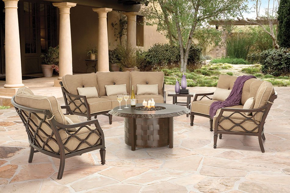 "9"" round fire pit, by Castelle"