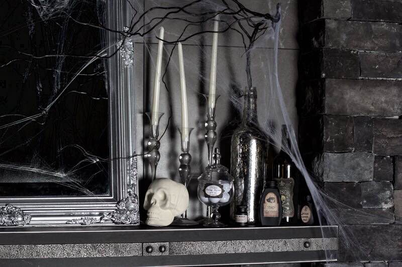Gothic Glam-Inspired Halloween Mantel Décor | Richshome.com