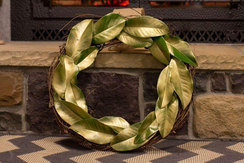 DIY Winter Mantel Décor Tutorials: Golden Magnolia Wreath and Cinnamon Stick Votive Holder | Richshome.com